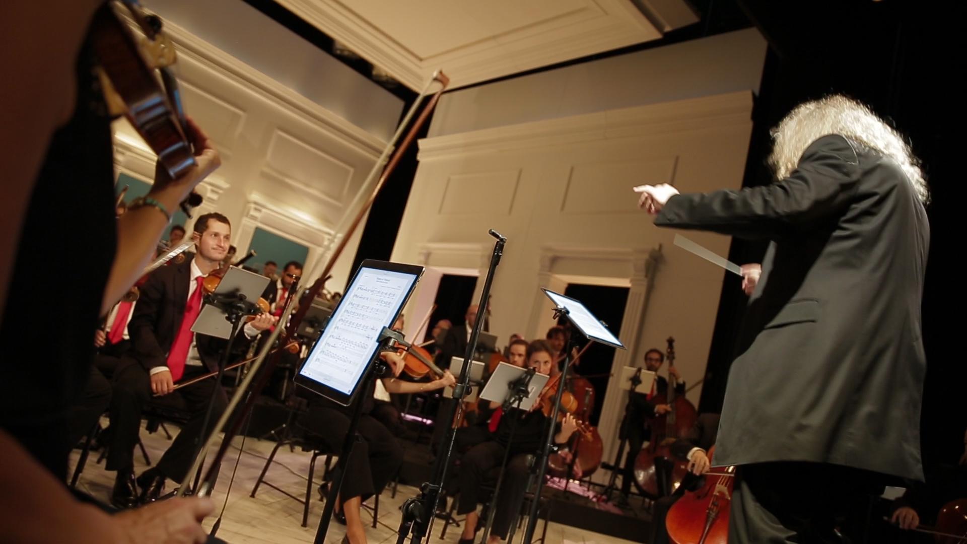 Yvan Cassar leads the Opéra de Rouen in a performance using Newzik