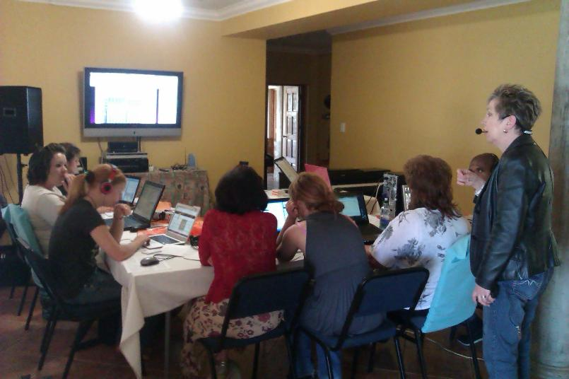 Engela Fullard and participants at a recent Note-So-Easy workshop