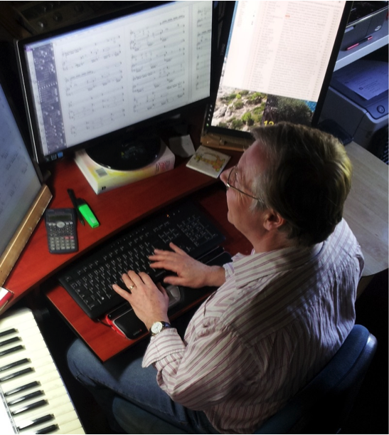 Chris Hinkins working with Sibelius and a RollerMouse Red
