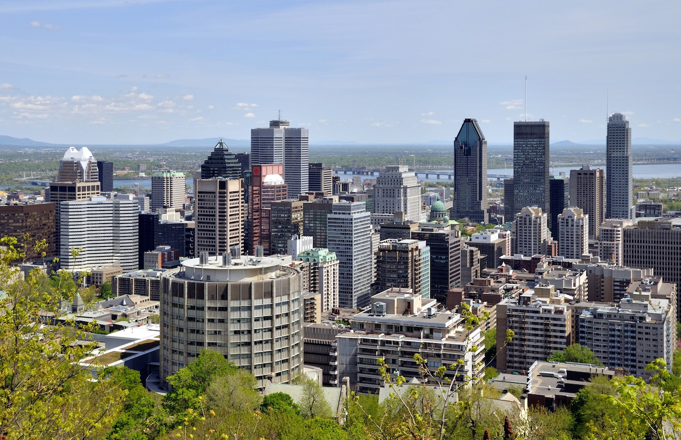 Downtown Montréal (courtesy Wikipedia user Taxiarchos228)