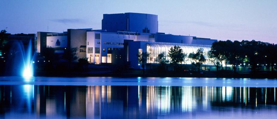 Venues_Opera_Helsinki-930x400